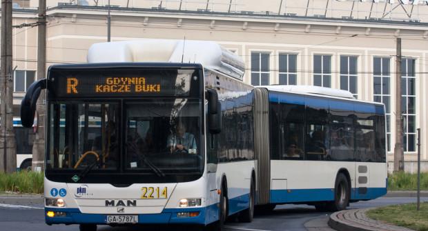 O zmniejszenie liczby linii autobusowych apeluje Paweł Rydzyński.
