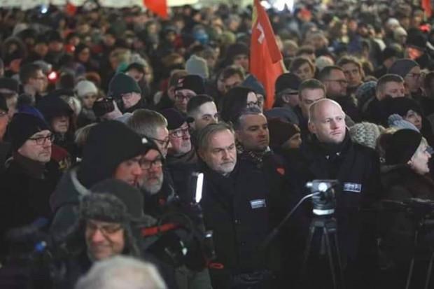 Władze Gdyni na wiecu.
