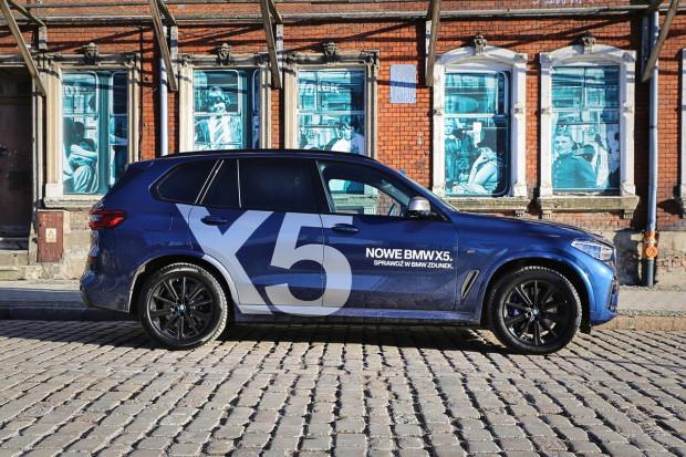 Nowe BMW X5 względem swojego poprzednika nieznacznie urosło.