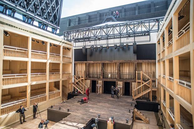 W GTS wrażenie robi zbudowana z ruchomych platform scena i widownia, które umożliwiają niemal nieograniczone możliwości inscenizacyjne oraz otwierany dach.