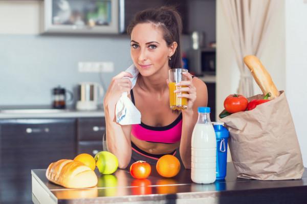 Zrzucenie zbędnych kilogramów wydaje się ogromnym wyczynem? Zdecydowanie tak, wymaga od nas wielu wyrzeczeń i zmian, jednak prawdziwym wyzwaniem często jest utrzymanie smukłej sylwetki czy zdrowego stylu życia.