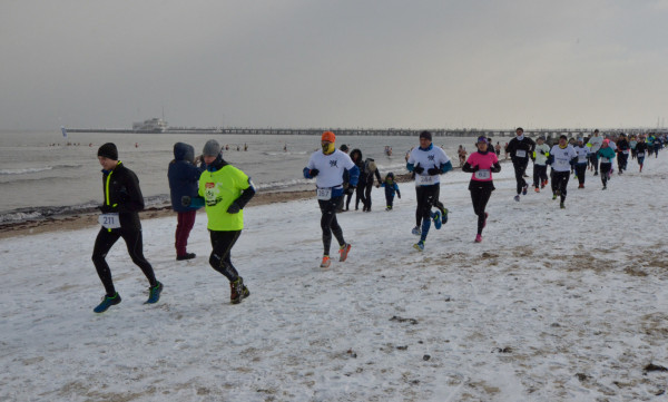 W sobotę można wybrać się na bieg po sopockiej plaży.