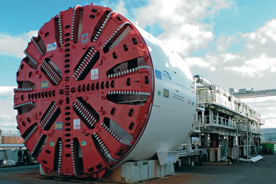 Tunel Boring Machine (TBM) - maszyną tego rodzaju drogowcy będą przekopywać się pod dnem Martwej Wisły.