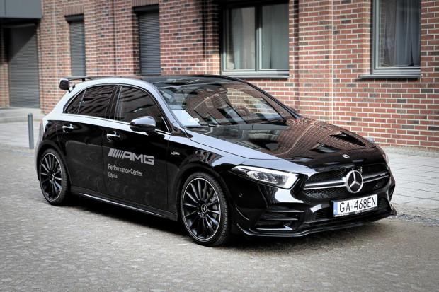 Mercedes-AMG A35 od 0 do 100 km/h przyspiesza w 4,7 sek.