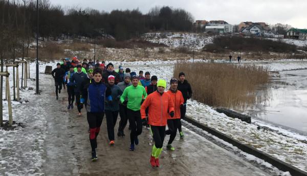 Radosław Dudycz (na przedzie) przekonuje, że w treningu do maratonu niezwykle ważna jest cierpliwość.
