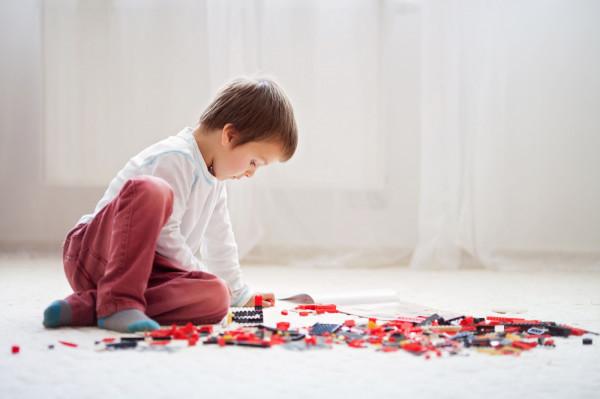 Wpływ na zachowanie oraz postawy dziecka - zarówno w dzieciństwie, jak i w dorosłym życiu - ma przede wszystkim udana relacja z rodzicami.