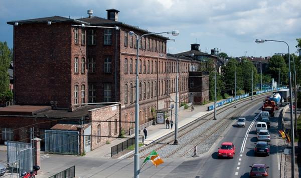 Wzorcownia i ciąg przyległych do niej budynków zburzonych w 2012 roku.