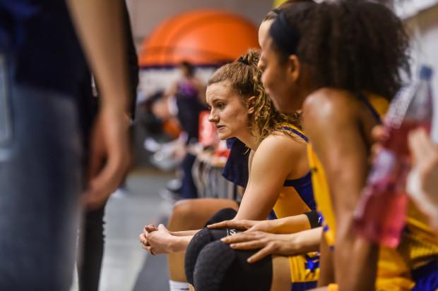 Po ostatnich czterech meczach koszykarki Arki Gdynia mają wiele do przemyślenia. Na zdjęciu Kamila Podgórna.