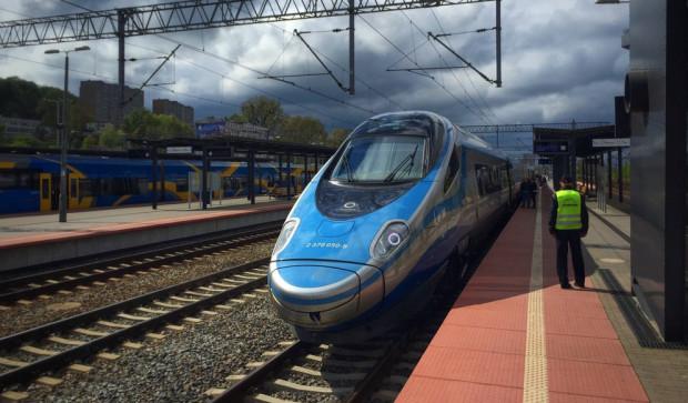Ciekawe, czy pociągi pendolino doczekają gotowej kolei dużych prędkości?