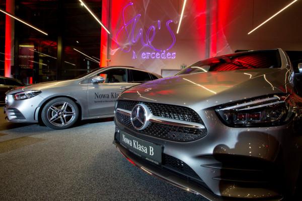Dzień kobiet z marką Mercedes to ukłon w stronę kobiecości, nie tylko z okazji marcowego święta. Co piąty nabywca Mercedesa osobowego jest kobietą.