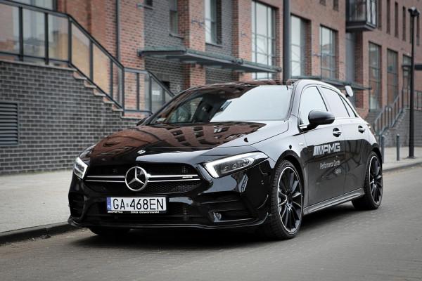 To nowość ze stajni AMG. A35 to świetna zapowiedź topowego hot hatcha Mercedesa-AMG, czyli modelu A45.