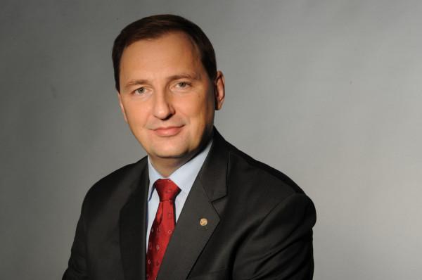 Zbigniew Paszkowicz był prezesem zarządu i dyrektorem naczelnym Lotos Petrobaltic oraz szefem segmentu poszukiwań i wydobycia Grupy Kapitałowej Lotos.