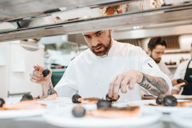 Damian Cymanowski, szef kuchni w restauracji Nowy Świat.
