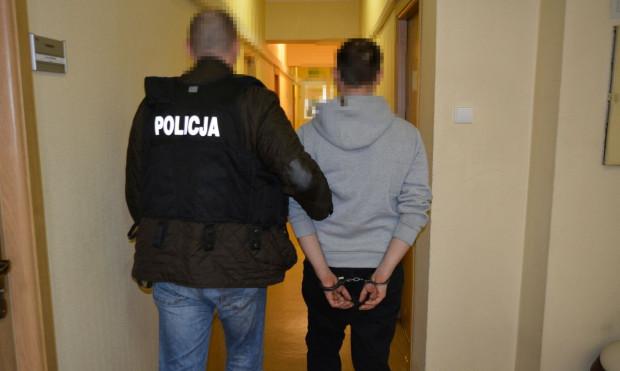 Na oszustwach 32-latek miał się wzbogacić o przynajmniej 50 tys. zł.