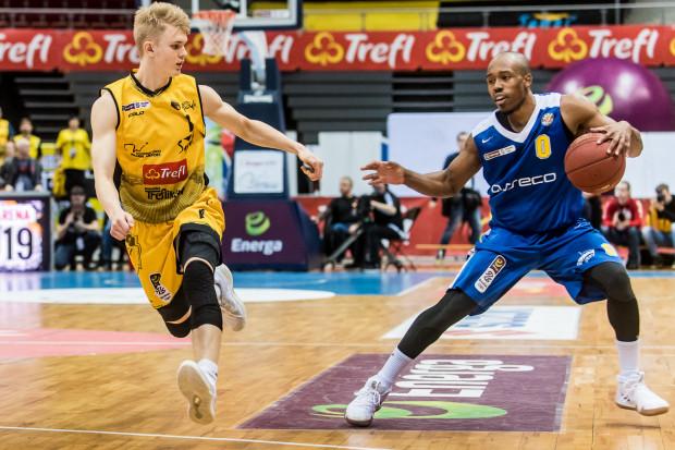 W Treflu Sopot jak i w Arce Gdynia będą liczyć w niedzielę na rzuty trzypunktowe odpowiednio Łukasza Kolendy )nr 1) i Jamesa Florence'a (nr 0).