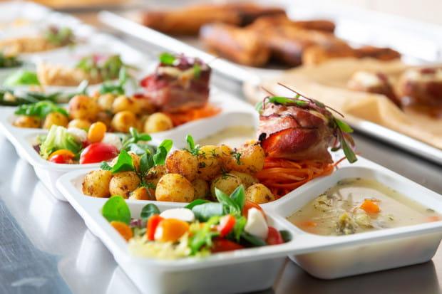 Posiłki Gastrohouse są skomponowane z wysokiej jakości sezonowych warzyw i owoców, a menu konsultowane z wykwalifikowanym technologiem żywienia oraz dietetykiem.