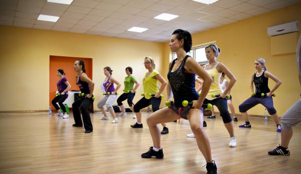 Ćwiczenia zumby dla dzieci i seniorów to jedynie część propozycji aktywnego spędzania weekendu.