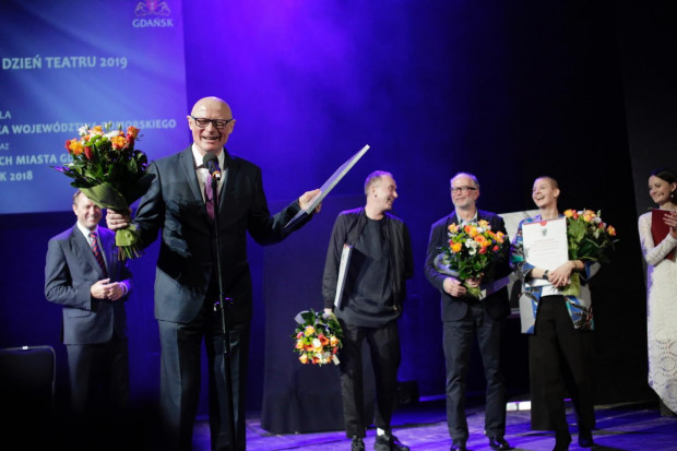Teatr Wybrzeże zebrał najwięcej nagród i wyróżnień podczas uroczystości wręczenia nagród teatralnym twórcom. Artyści tego teatru otrzymali pięć z siedmiu nagród indywidualnych. Także Wybrzeże szczycić się może Spektaklem Roku w Gdańsku i województwie pomorskim za miniony rok.