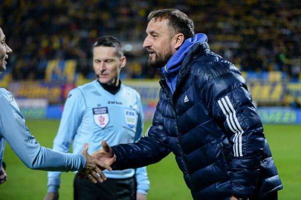 Zbigniew Smółka po derbach przestanie być trenerem Arki Gdynia. Decyzję ogłoszono niespełna godzinę przed meczem z Lechią Gdańsk.