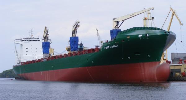 """MS """"Port Gdynia"""" będzie pływał pod maltańską banderą."""