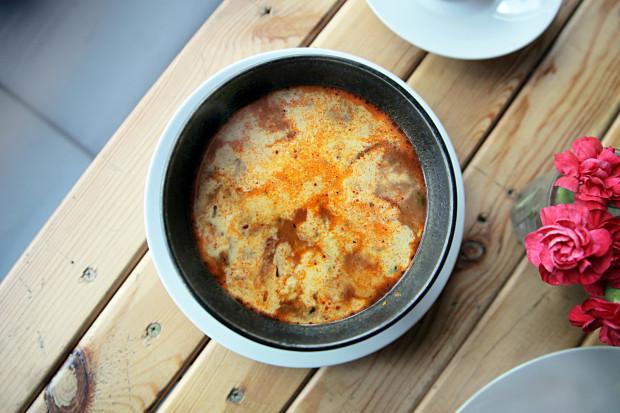 Zupa gris gris kojarzy się ze smakami tajskimi.