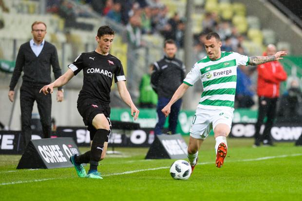 Po środkowym meczu z Rakowem Częstochowa piłkarze Lechii wrócili do Gdańsk, a w piątek po południu ruszą do Krakowa na ostatni mecz sezonu zasadniczego z Cracovią.