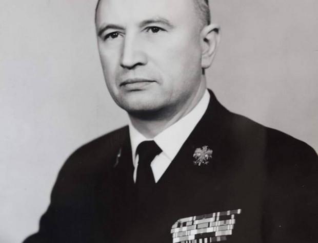 Kontradmirał Henryk Pietraszkiewicz zmarł 10 kwietnia, w wieku 97 lat. Pochowano go 15 kwietnia na cmentarzu Witomińskim w Gdyni.