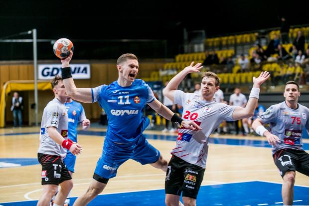 Piłkarze ręczni Energi Wybrzeża Gdańsk i Arki Gdynia w rundzie o utrzymanie w Superlidze zmierzą się w derbowych pojedynkach jeszcze dwa razy. Rozpoczną jednak od wyjazdów do Kalisza i Lubina.