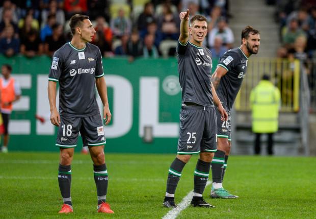 Michał Nalepa (nr 25) i Błażej Augustyn (26) muszą uważać na kartki. Natomiast Jakub Arak (18) już skończył sezon z powodu kontuzji kolana.