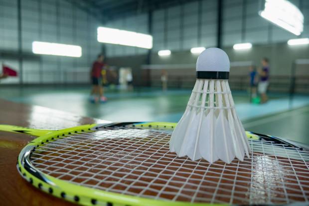 Przy zakupie rakiety do badmintona musimy kierować się wieloma czynnikami.