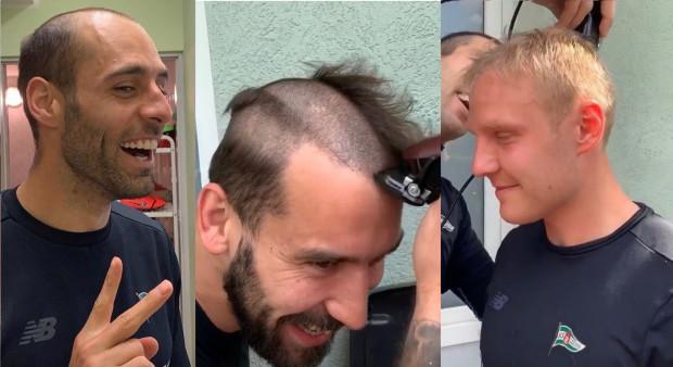 Drużyna na łyso. Od lewej: Flavio Paixao, Błażej Augustyn i Daniel Łukasik zmieniają fryzury.