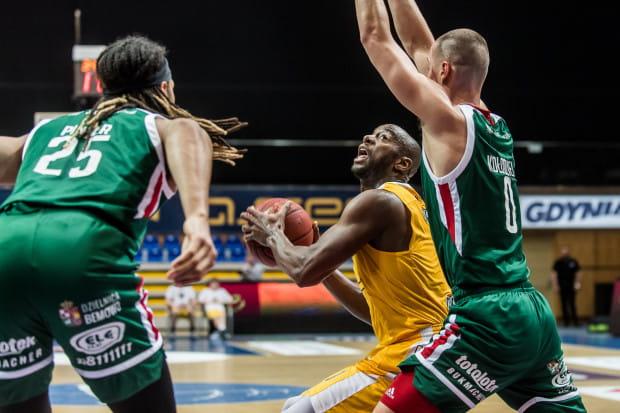 Marcus Ginyard doskonale wszedł w mecz zdobywając siedem pierwszych punktów dla Arki Gdynia. W sumie po siedmiu minutach gry, miał ich czternaście na swoim koncie.