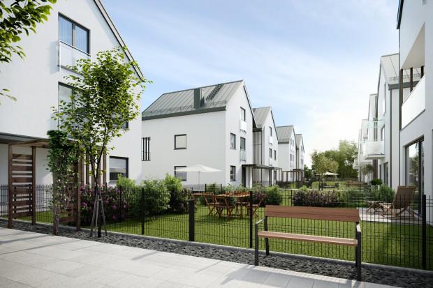 Między budynkami osiedla będzie dużo przestrzeni przeznaczonej na przydomowe ogródki.