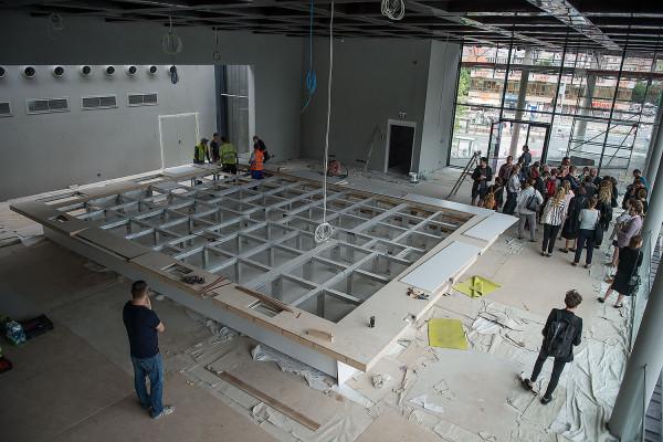 Ubiegłoroczna wizyta przedstawicieli mediów na budowie była pierwszą i ostatnią okazją, by zobaczyć budynek od środka.