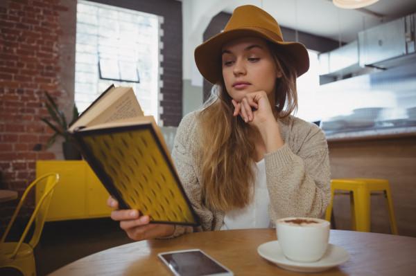 Książka i kawa to połączenie idealne, nic dziwnego więc, że co jakiś czas pojawiają się nowe miejsca spajające te dwie pasje.