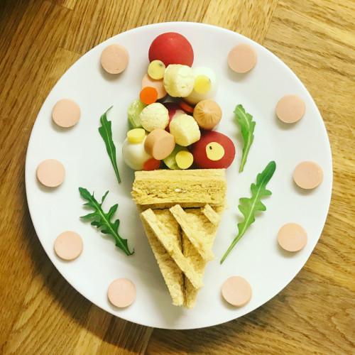 Przygotowuje Dla Córki Fantazyjne śniadania Kulinarne