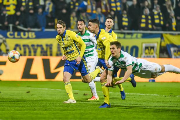 Nie tylko nie ma formalnych przeszkód, aby w przyszłym sezonie Arka Gdynia i Lechia Gdańsk rozegrały między sobą co najmniej 2 derbowe pojedynki ekstraklasy, ale trójmiejskie klubu znalazły się wśród prymusów tegorocznego procesu licencyjnego.