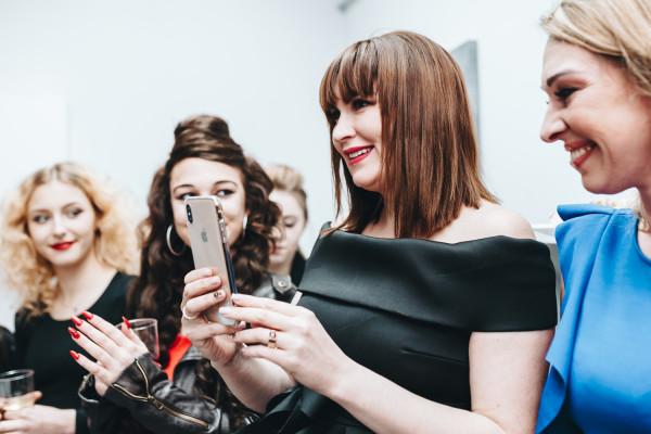 Oficjalne otwarcie trzeciego salonu marki Top Cosmet odbyło się w muzycznej oprawie. Na zdjęciu właścicielka obiektu: Irina Kulakova.