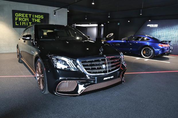 Mercedes żegna silniki V12. To jeden z ostatnich egzemplarzy, który został wyposażony w monstrualną jednostkę.
