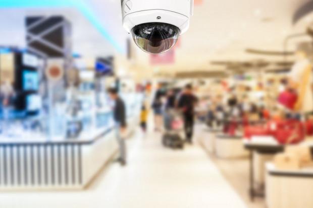 Kamery w centrach handlowych są niemal wszechobecne, ale nie zawsze zapewnia to bezpieczeństwo klientom.