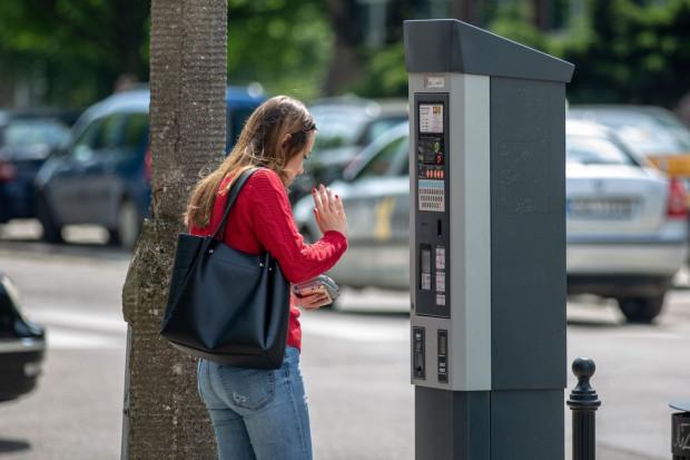 Wkrótce za parkowanie w centrum Gdańska zapłacimy więcej. W pierwszej kolejności wydłużony zostanie czas poboru opłat do godz. 20.