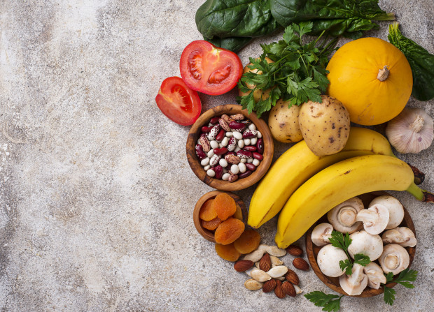 Dieta ciężarnej - co jeść? Przede wszystkim to, co niezbędne dla zapewnienia dziecku idealnych warunków rozwoju.