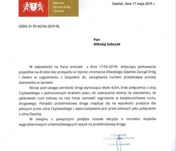 Gdański Zarząd Dróg i Nieruchomości zadecydował o postawieniu słupków wygrodzeniowych.