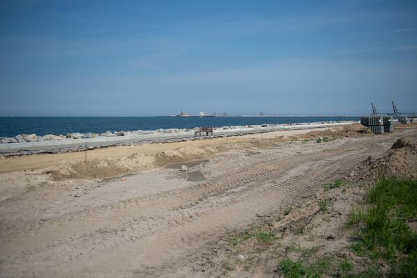 Urząd Morski pierwotnie zakładał, że zrobi to kosztem 2-3 mln zł. Ostatecznie prace okazały się bardziej złożone i pochłoną ponad 10 mln zł.