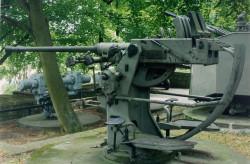 Działko z ORP Sęp można dziś oglądać w Muzeum Marynarki Wojennej w Gdyni.