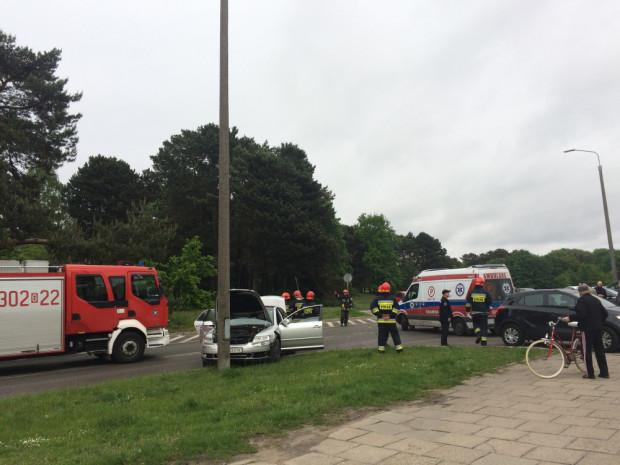 Sprawca zdarzenia - kierowca volkswagena był pijany. W wypadku ucierpiała kobieta w ciąży.