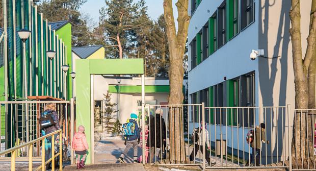 Zarażona odrą pracuje w Szkole Podstawowej nr 37 w Gdyni.
