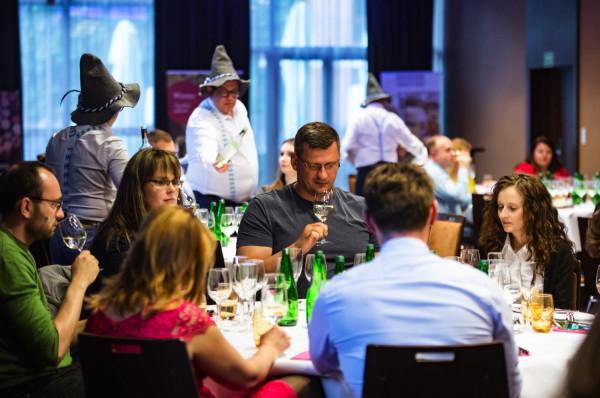 W kolacji wzięło udział ponad 60 gości, którzy pojawili się w hotelu Mercure Stare Miasto.