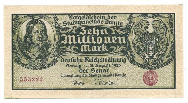 Hiperinflacja w powojennej Europie, w tym w Niemczech, Polsce i Wolnym Mieście Gdańsku sprawiła, że gdańska waluta nieustannie traciła na wartości a w obiegu były banknoty o nominałach nawet 10 mln gdańskich marek.