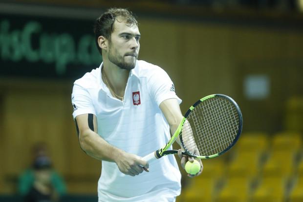 Polski tenisista wciąż nie doszedł do siebie po kontuzji kolana.